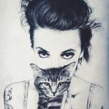 爱啃骨头的猫咪