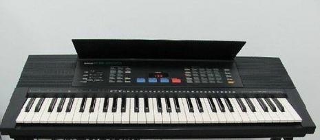 雅马哈KB-200电子琴