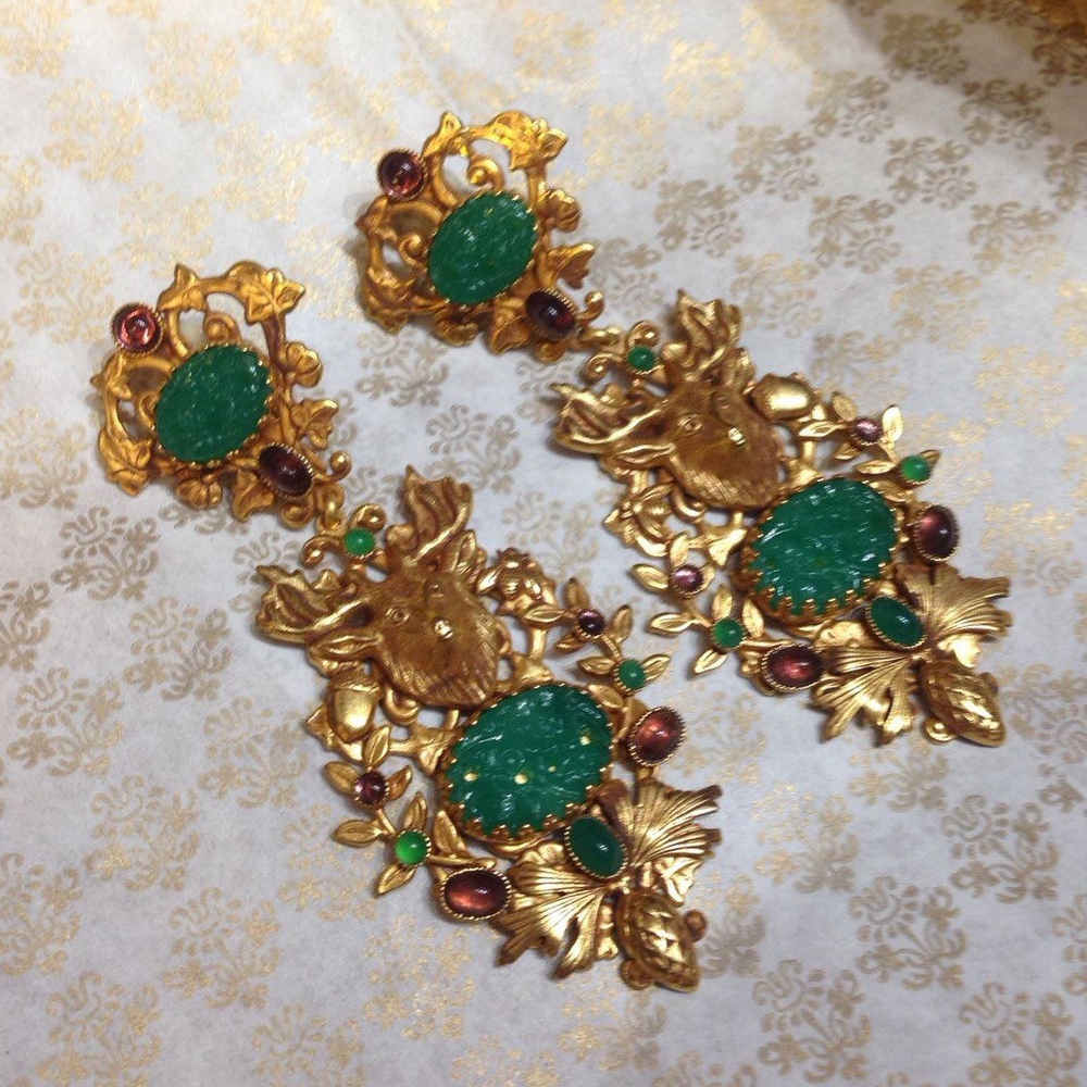 古董鹿首耳环 Chandelier Askew London Earrings Stags Jade Glass的图片