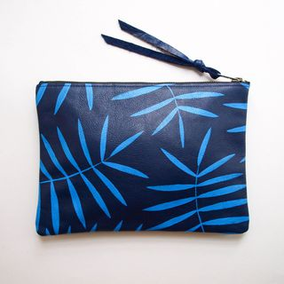 Tropical Blue Palm Leather Zipper Clutch的图片