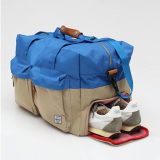 Large Duffle Bag by Herschel Supply Co - $100的图片