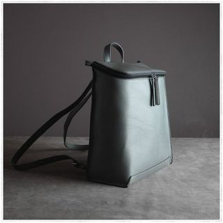Backpack  牛皮包