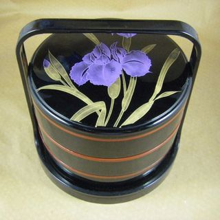 Vintage Japanese Black Lacquer - Stacked Round Bento Boxes with Handle - Flowers的图片