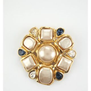 CHANEL Vintage Gold Tone Faux Pearl Crystal Brooch Pin EVHB $4000的图片