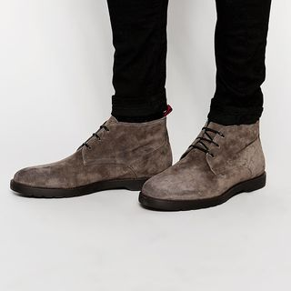 River Island Chukka Boots In Suede With Chunky Sole In Grey的图片