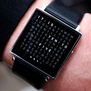 Qlocktwo Watch by Biegert & Funk的图片