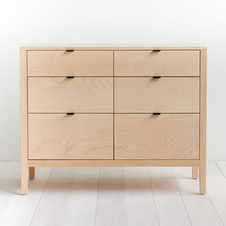 Prototype SALE - Solid Maple Dresser的图片