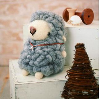 DIY Handmade Large Felt Wool Gray Sheep Kit的图片