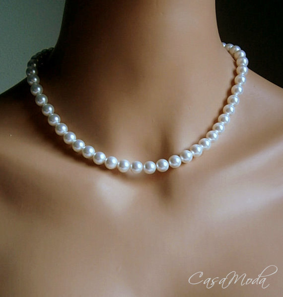 Pearl Necklace In With White Swarovski Crystal Pearls 18 Inches的图片