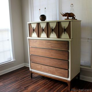 Mid-Century Dresser Tall - Custom Order for Trisha的图片