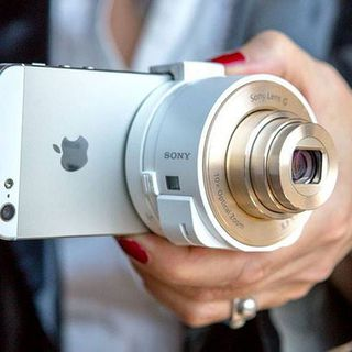 Sony  QX10 Smartphone Attachable Lens-Style Camera的图片