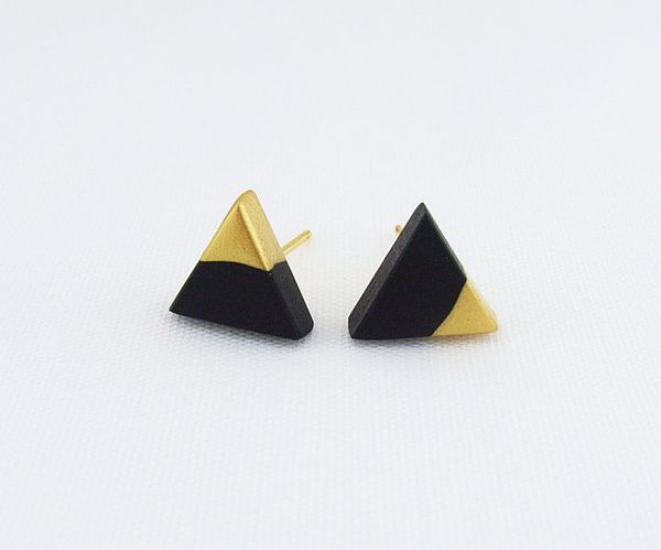 Black - Gold Dipped Triangle Stud Earrings的图片