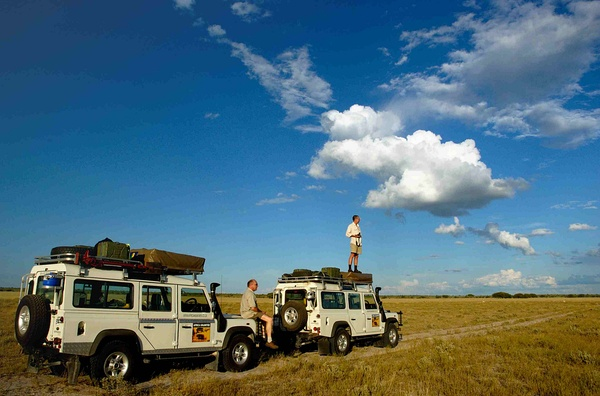 Two Land Rovers on a 4x4 safari in Central Kalahari Game Reserve