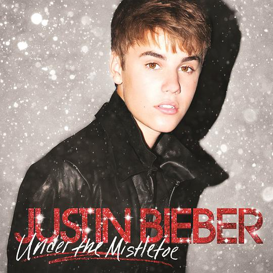 Under The Mistletoe(Deluxe Edition)